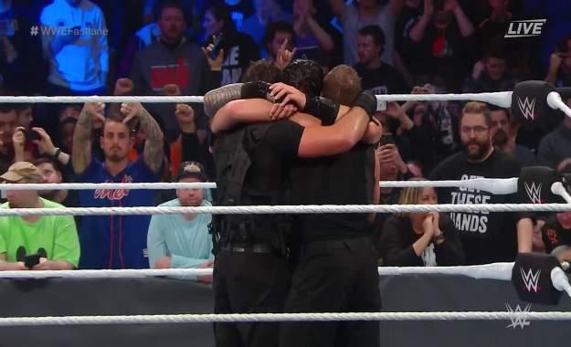 WWE Fastlane 2019 The Shield regresa con victoria