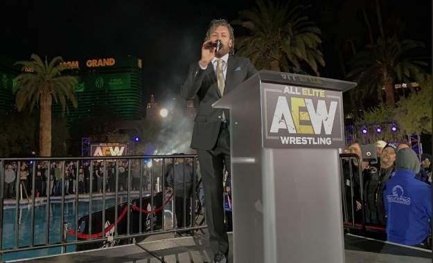 Kenny Omega con AEW