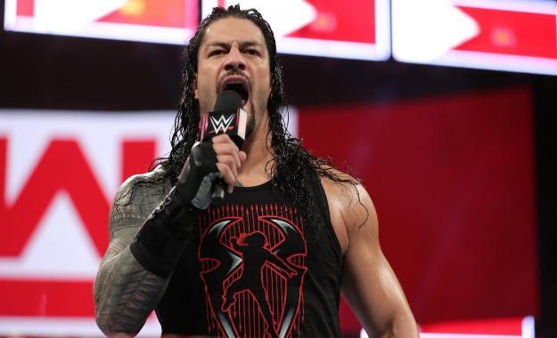 Roman Reigns sobre Vince McMahon