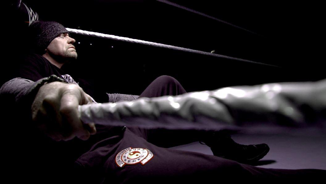 """Undertaker recibe criticas por salir del personaje en WWE """"The ..."""